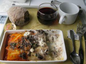 canelloni au fromage, pain aux olives et vin rouge. Ça n'a l'air de rien comme cela, mais ce n'était pas mauvais du tout.