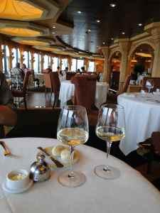 @lisegiguere - Le restaurant privé réservé aux membres du Yacht Club
