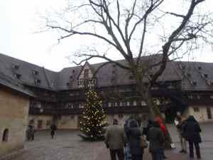 @lisegiguere - cour intérieure vieux palais