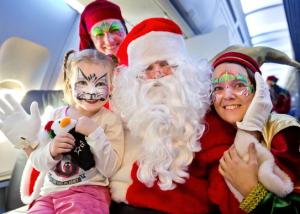 C'est en plein vol que les enfants rencontrent le Père Noël