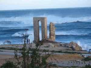 @lisegiguere - les murailles de Mahdia possédaient deux portes permettant de pénétrer à l'intérieur de la ville. Celle-ci donnait sur la Mediterranée.