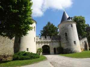 @lisegiguere- Le Château de Mirambeau , dans le Sud de la Charente-Maritime, à la croisée des vignobles de Bordeaux et de Cognac,