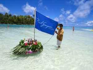 @lisegiguere - Bar flottant  pour les invités du Paul Gauguin sur l'île privée Motu Mahana , près de Taha'a dans les Iles de la Société en Polynésie