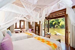 Une chambre d'un bungalow du Float House River Kwai