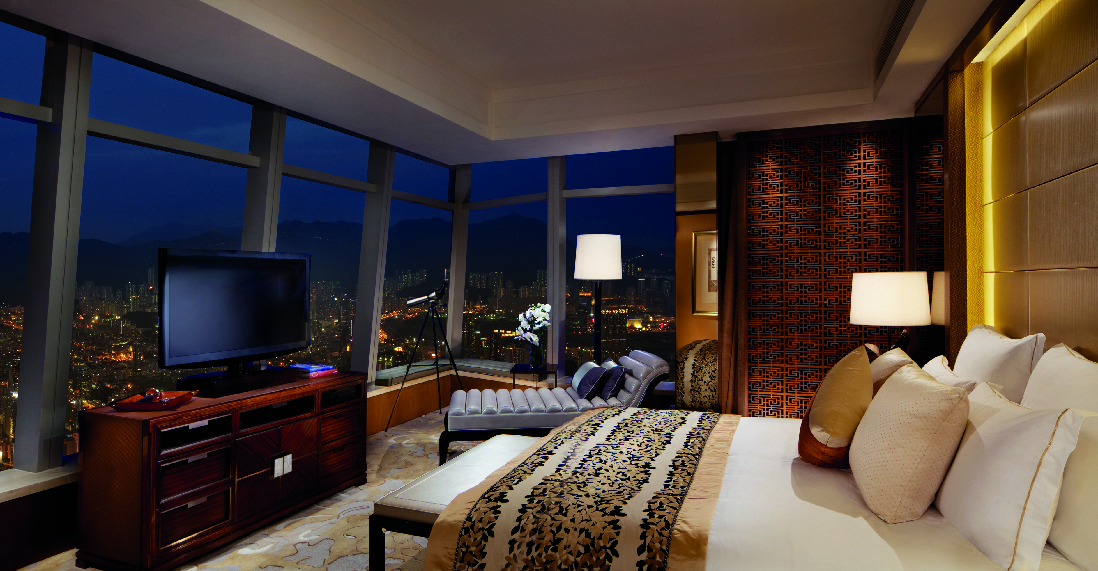 Shangri la london mille et un voyages par lise gigu re for Chambre commerce hong kong