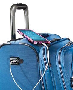 ertaines valises sont munies de sangles pour les joindre ensemble et de gadgets plus modernes comme une prise USB.
