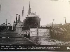 Cargo sur le Canal Lachine