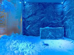 La chambre de neige où l'on trouve vraiment un banc de neige pour le Rituel Nordique offert au Spa