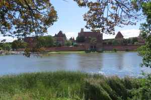 @lisegiguere -  Le Château Malbrock