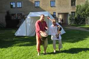 @lisegiguere - Menestrels avec tambour et un type de cornemuse
