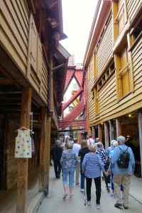 @lisegiguere - Entrepôts en bois du 14e siècle protégés paar Unesco