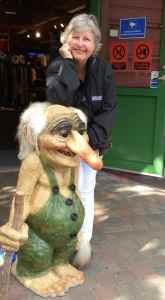 @lisegiguere - A Flam, les trolls sont partout. Sur les t-shirts, petites statues dans les rues, en boules de Noel, bref… Ils sont là. L'un des meilleurs auteurs scandinaves pour enfant a d'ailleurs écrit un très joli conte sur les trolls. Est-ce à cause de lui que les trolls sont partout ? J'essaie de trouver la réponse.