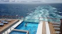 Une piscine à débordement dont on ne se servira pas en raison de la température plutôt fraiche enMer Baltique et endu Nord