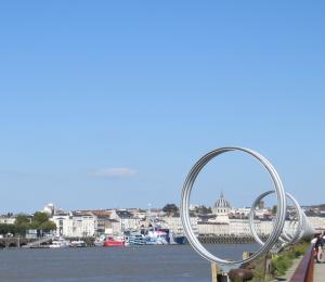 @lisegiguere -Les anneaux de Buren, l'une des œuvres du Parcours estuaire du Voyage de Nantes.