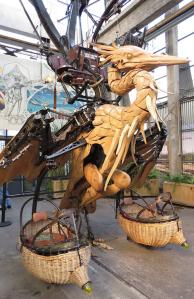 @lisegiguere - Cet étrange animal, un faucon,  fera partie du 3e projet des Machines de l'Ile, l'Arbre aux hérons !