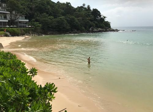 @lisegiguere - La plage de Kata , une des plus belles de la côte
