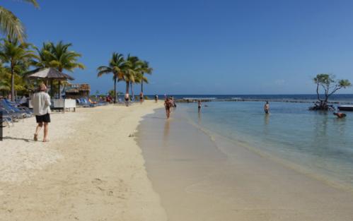 La plage de Las Palmas au Roatan